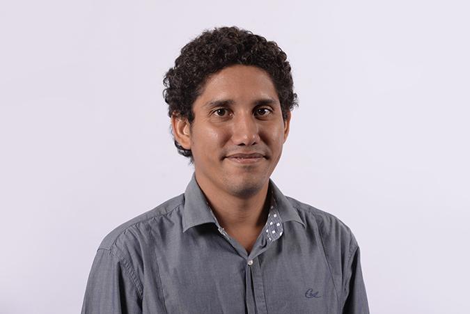 Elías González